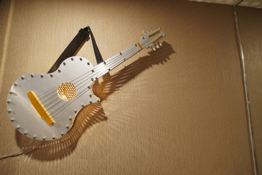 The King Elvis Presley guitar Hotel Maison Boutique